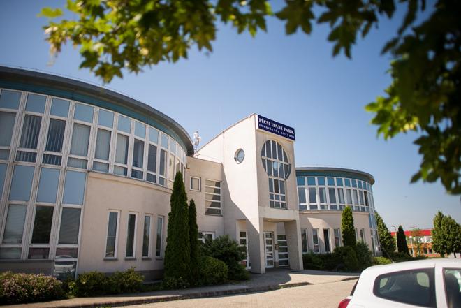 A Pécsi Ipari Park Épülete