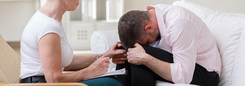 Therapist is supporting her patient in difficult moments